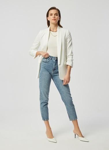 Monamoda Kolu Büzgülü Astarlı Boyfriend Blazer Ceket Beyaz